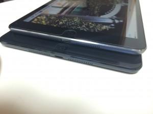 iPadmini スピーカー位置比較